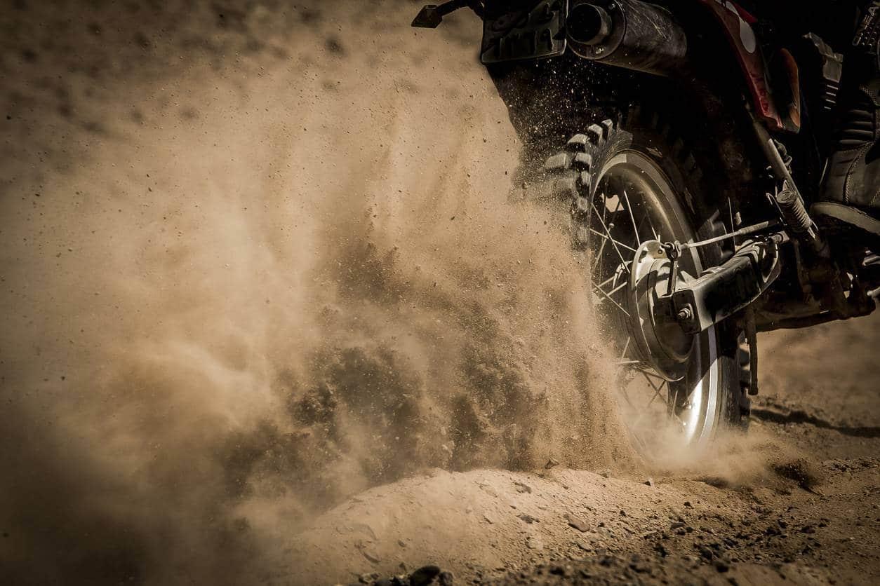 pneus pour moto de compétition