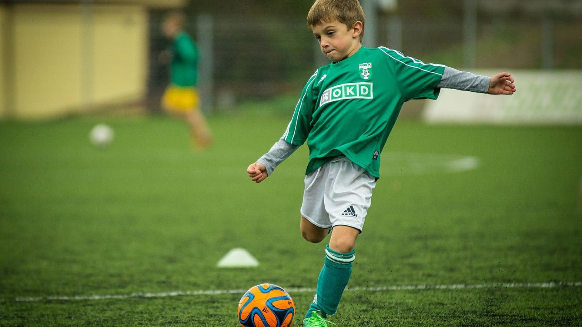 Comment faire une partie de foot en famille ?