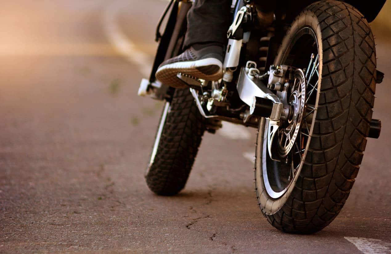 différents types de pneus, moto