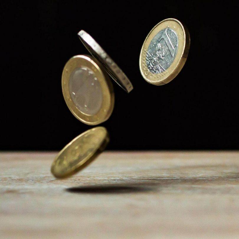 Des pièce de monnaie qui tombent